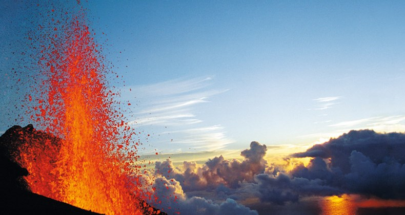 hotshot:-the-piton-de-la-fournaise