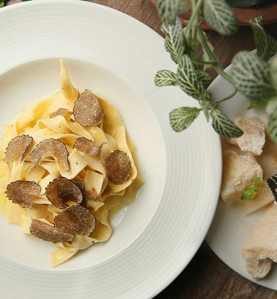 orangine-celebrates-food-with-a-new-menu-and-truffles